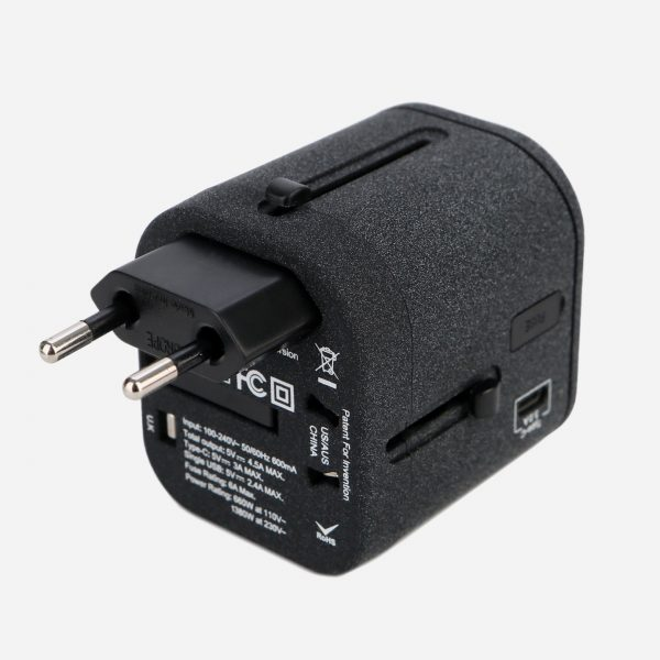 USB 충전 포트 및 C-타입 USB가 있는 Nordace 여행용 멀티 어댑터